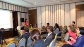 Các đại biểu thảo luận về phát triển công nghệ sạch toàn cầu
