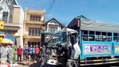 Xe khách tông xe tải chở gas, 1 người bị thương