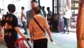 Du khách Trung Quốc cầm dao xô xát với nhân viên nhà hàng tại Nha Trang
