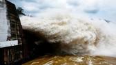 Sáng mai 7-7, hai thủy điện lớn trên sông Đà cùng xả lũ