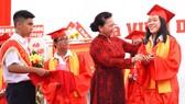 Chủ tịch Quốc Hội Nguyễn Thị Kim Ngân dự lễ khai giảng Trường THPT chuyên Lê Hồng Phong