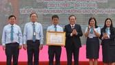 Trường ĐH Sài Gòn nhận Huân chương Lao động Hạng Ba
