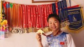 Truong Thi Phuong and her medal collection. She has added five more after the World Cup in Hungary (Photo: vov.vn)