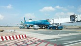 A Vietnam Airlines aircraft at the apron of Tan San Nhat International Airport, HCMC (Photo: SGGP)