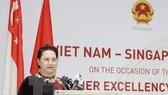 NA Chairwoman Nguyen Thi Kim Ngan speaks at the Vietnam-Singapore Business Dialogue. (Source: VNA)