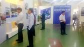 """Triển lãm ảnh và giới thiệu bộ sách ảnh """"Vị thế Việt Nam"""" tại Trung tâm Văn hóa tỉnh Long An"""