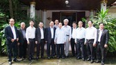 Đoàn đại biểu cấp cao TPHCM thăm đồng chí Sisavat Keobunphan