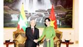 Tổng Bí thư Nguyễn Phú Trọng gặp gỡ Cố vấn Nhà nước Myanmar Aung San Suu Kyi.
