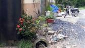 Bên hông trại heo là cống xả chất thải lộ thiên, gây ô nhiễm khu dân cư