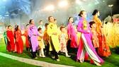 Khai mạc Lễ hội Áo dài TPHCM lần thứ 5: Tấp nập người dân, du khách thưởng lãm