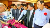 Lãnh đạo Sở Công thương TPHCM hỗ trợ doanh nghiệp sản xuất CNHT  trong nước quảng bá sản phẩm với doanh nghiệp nước ngoài đầu cuối
