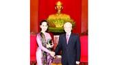Tổng Bí thư Nguyễn Phú Trọng tiếp Cố vấn Nhà nước Myanmar Ảnh: TTXVN
