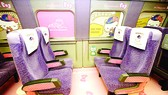 Ra mắt tàu Shinkansen Hello Kitty