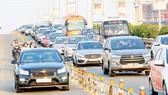 Kẹt xe kéo dài trên cao tốc TPHCM - Long Thành - Dầu Giây. Ảnh: HOÀNG HÙNG