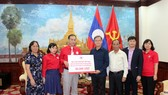 Chữ thập đỏ Việt Nam trao 50.000 USD giúp người dân Lào bị ảnh hưởng vỡ đập thủy điện