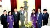 Khánh thành tượng nhà khoa học nhận 2 giải Nobel tại Bệnh viện K