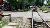 Hiện trường điểm gác chắn tàu hỏa đường sắt Bắc - Nam, nơi Trung gây ra sự việc