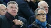 Sam Allardyce (trái) đã đáp ứng đúng kỳ vọng của cổ đông lớn nhất Everton, Farhad Moshiri (phải). Ảnh: Getty Images