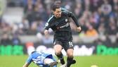 Eden Hazard (phải) tỏa sáng để đưa Chelsea tìm lại chiến thắng. Ảnh: Getty Images