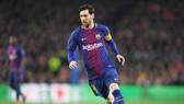 Messi càng vĩ đại khi rộng lượng hơn trong phong cách chơi bóng. Ảnh: Getty Images