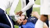 Giroud gặp chấn thương đầu. Ảnh: Getty Images