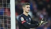 Kepa Arrizabalaga đang là mục tiêu số 1 thay thế Thibaut Courtois. Ảnh: Getty Images