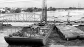 Công trình cầu sắt Bình Lợi được đầu tư theo hình thức BOT  đang tiến hành xây dựng