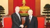 Tổng Bí thư  Nguyễn Phú Trọng  tiếp Bộ trưởng Quốc phòng Hoa Kỳ James Mattis  thăm chính thức Việt Nam