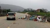 Tập kết rác trên đường du lịch sinh thái