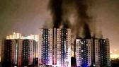 Hiện trường vụ cháy chung cư cao cấp Carina Plaza tại TPHCM