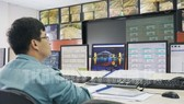 Đội ngũ kỹ sư vận hành hệ thống tại Trung tâm điều khiển giao thông hầm sông Sài Gòn. Ảnh: THANHUY.VN
