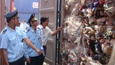 13.000 tấn phế liệu nhựa nhập khẩu bằng giấy tờ giả