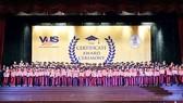 Thêm 1.864 học viên VUS nhận chứng chỉ quốc tế