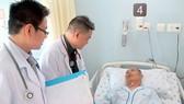 """""""Siết"""" dịch vụ khám chữa bệnh theo yêu cầu: Bệnh viện kêu khó!"""