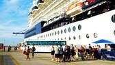 2.500 du khách tàu biển tham quan TPHCM
