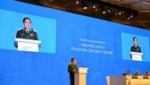Bộ trưởng Bộ Quốc phòng Ngô Xuân Lịch phát biểu tại Phiên toàn thể thứ 3 của Đối thoại Shangri-La 17.