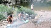Người A Rem không lấy kiệt quệ của rừng thứ gì nên mỗi lần đi rừng họ đều có sẵn thức ăn