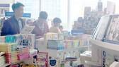 Nhiều chương trình giảm giá sản phẩm phục vụ mùa khai trường đang được hệ thống siêu thị  và nhà sách triển khai