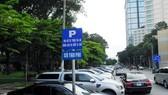 TPHCM: Thu phí ô tô đậu dưới lòng đường 20.000-25.000 đồng/giờ