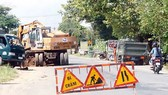 Quốc lộ 62, đoạn qua địa bàn tỉnh Long An đang xuống cấp nghiêm trọng. Ảnh: PHAN THANH