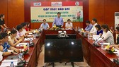 Ông Trần Đức Phấn, Phó Chủ tịch Liên đoàn bóng chuyền Việt Nam, Trưởng ban tổ chức giải, phát biểu tại buổi họp báo.