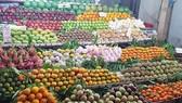 2 tuần sau Tết Mậu Tuất 2018:  Giá trái cây, hoa tươi vẫn cao