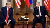 Tổng thống Mỹ Donald Trump (trái) và Tổng thống Nga Vladimir Putin tại hội nghị thượng đỉnh ở Helsinki, Phần Lan ngày 16-7 vừa qua. (Ảnh: THX/TTXVN)