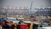 Container hàng hóa tại cảng Nansha, tỉnh Quảng Đông, Trung Quốc. Ảnh: EPA