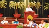 Bí thư Thành ủy TPHCM Nguyễn Thiện Nhân phát biểu tại Hội nghị Thành ủy Ảnh: Việt Dũng