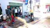 Một trụ nước chữa cháy được lắp mới trên địa bàn quận Bình Tân