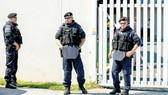 Cảnh sát Áo tuần tra ở thủ đô Vienna       Ảnh: EPA