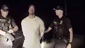 Cảnh sát tung video bắt giữ Tiger Woods
