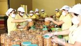 Quy trình đóng gói sản phẩm tại một doanh nghiệp chuyên doanh đặc sản xuất khẩu trên địa bàn TPHCM