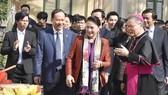 Chủ tịch Quốc hội Nguyễn Thị Kim Ngân thăm và chúc mừng đồng bào công giáo nhân dịp Giáng sinh